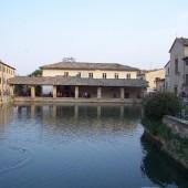 Bagno-Vignoni--piazza-termale-_1241615988