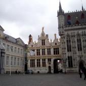 Bruges-piazza-Markt-02_1272374093