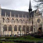 Chiesa-Notre-Dame-Sablon-01_1272374093