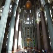 interno-sagrada-familia_1354573526