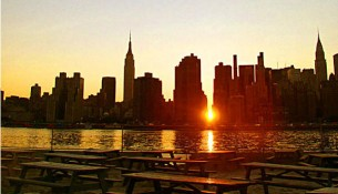 07-12-manhattanhenge_full_600