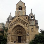 Chiesa Varosliget 02 (FILEminimizer)