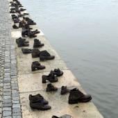 Scarpe sul Danubio 01
