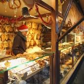 Salzburg-ChristmasMarket-Bretzels