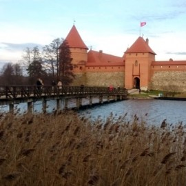 trakai-castle-tusoperator-lituania-1024x410