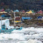 DSC_4525 Peschereccio tra gli iceberg della Disko Bay