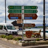 Bantry - Cartelli che indicano la Wild Atlantic Way