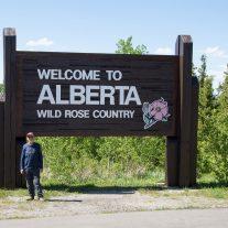Si entra nell'Alberta, lo stato della rosa selvaggia