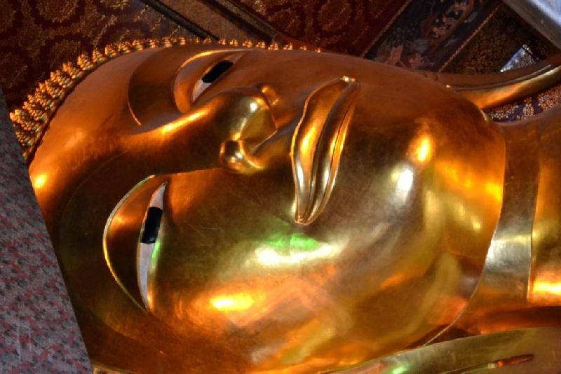 12-Buddha-reclinatoWat-Pho