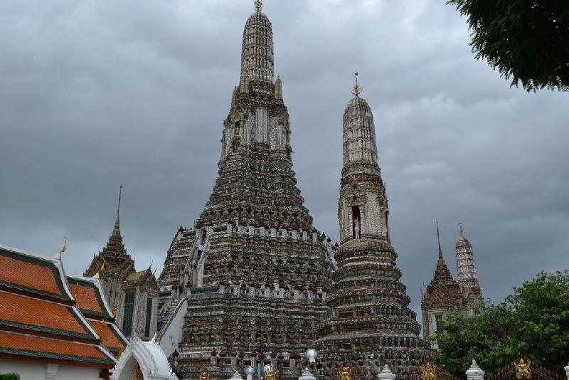 13--Wat-Arun-Phra-Prang