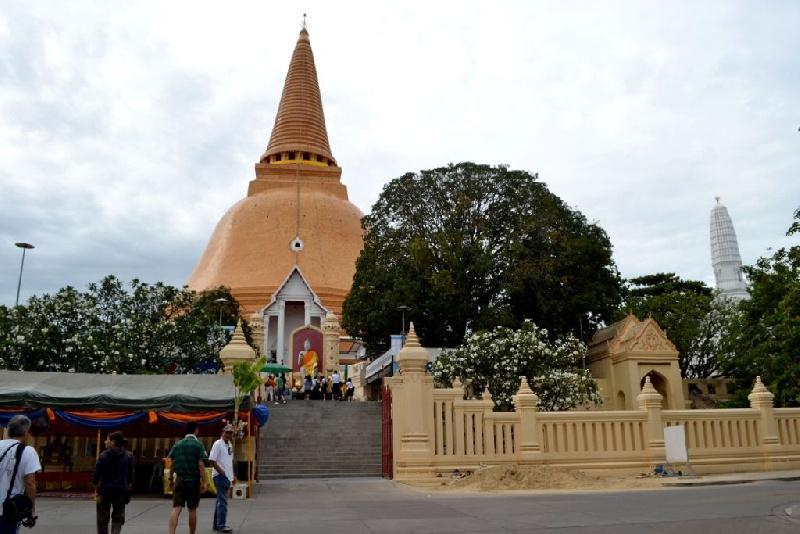 9-Phra-Pathom-Chedi-pagoda