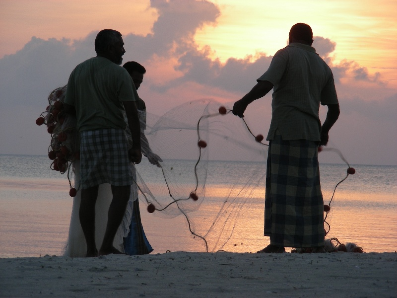 Isola-di-Bangaram---pescatori-