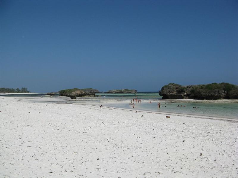 watamu-island-love-beach