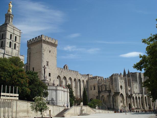Palazzo-dei-Papi-Avignone