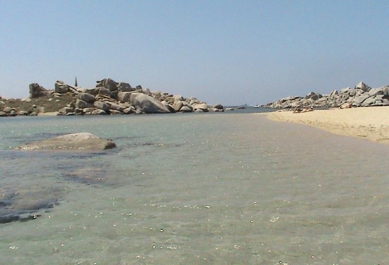 Spiaggia-isola-di-lavezzi-2