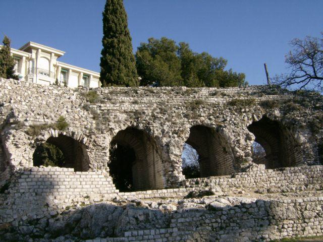 anfiteatro-romano-640x480