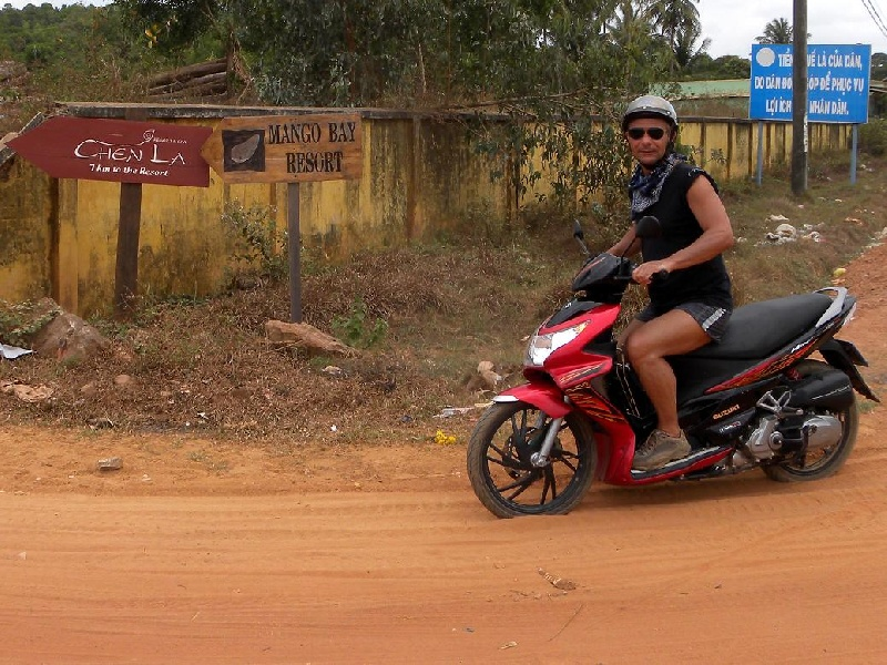 vietnam-phu-quoch-strada-di-ca