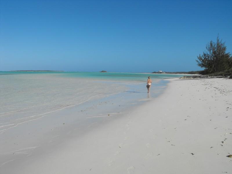 Exuma-Cocoplum-beach