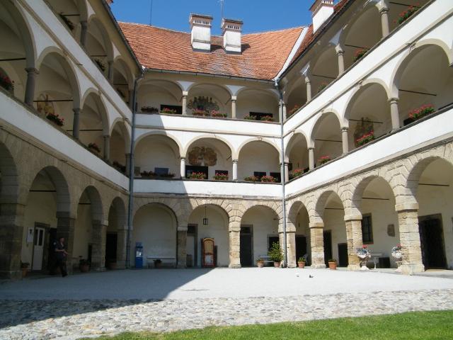 Castello-di-Ptuj-640x480